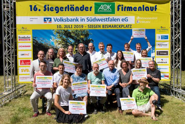 Letzte große Pressekonferenz zum 16. Siegerländer AOK-Firmenlauf am 10. Juli 2019 auf dem Wiesengelände neben dem Weidenauer Hallenbad.